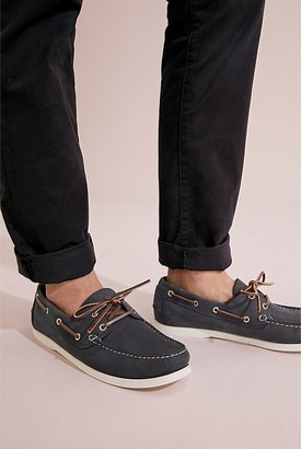 Country Road Flynn Nubuck Boat Shoe