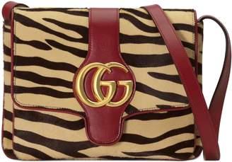 Gucci Arli tiger print medium shoulder bag