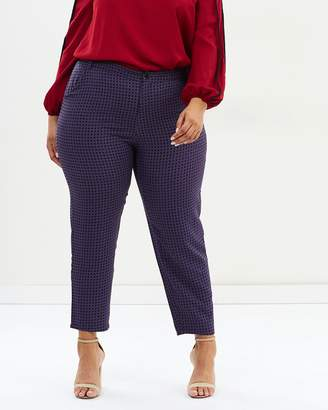 ICONIC EXCLUSIVE - Jackson Slim Leg Pants