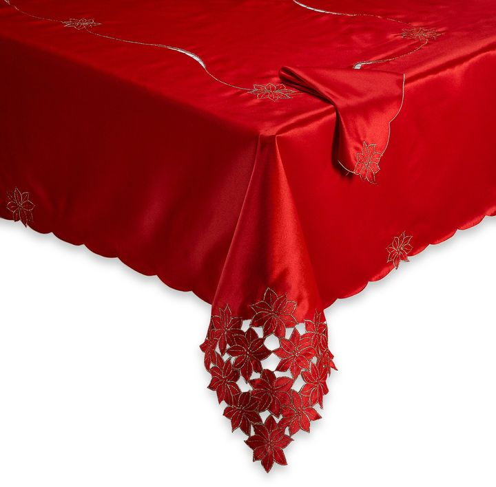 Poinsettia Cluster Tablecloth and Napkin
