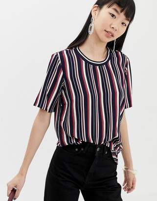 B.young stripe top