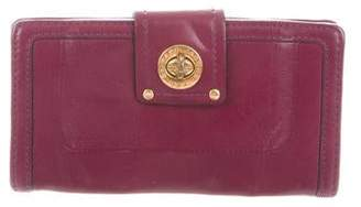 Marc by Marc Jacobs Totally Turnlock Wallet