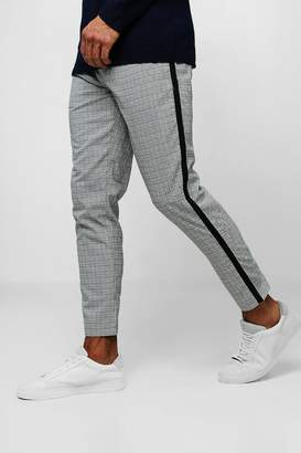 boohoo Smart Mini Dogtooth Cropped Jogger With Taping