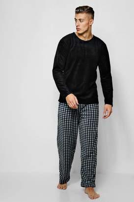 boohoo Microfleece Printed Check Pyjama Set