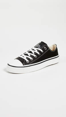 Marc Jacobs Grunge Low Top Sneakers