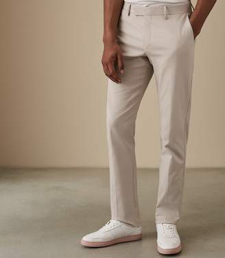 Reiss Westbury Reg - Regular Fit Chinos in Stone