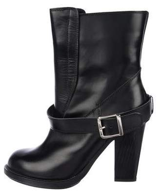 Chloé Patent Leather Round-Toe Boots