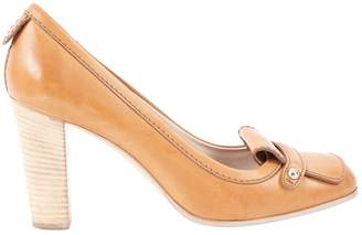 Tod's Camel Leather High Heel