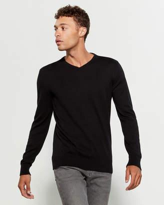 Brave Soul Solid V-Neck Sweater