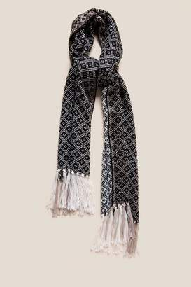 francesca's Laura Diamond Print Scarf - Black/White