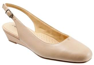 Trotters Lenore Slingback Pump - Wide Wdith Available