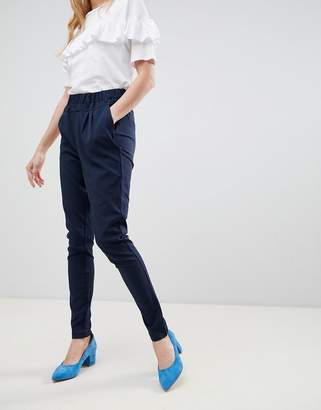 B.young peg pants
