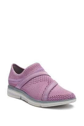 Merrell Zoe Sojourn E-Mesh Q2 Slip-On Sneaker