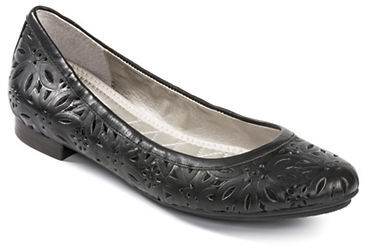 Me Too Alyse Leather Flats