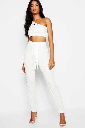 34ef25ae390ee boohoo White Skinny Trousers For Women - ShopStyle UK