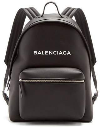 Balenciaga Everyday Logo Print Leather Backpack - Womens - Black White