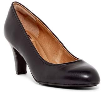 Sofft Turin Leather Pump - Wide Width Available