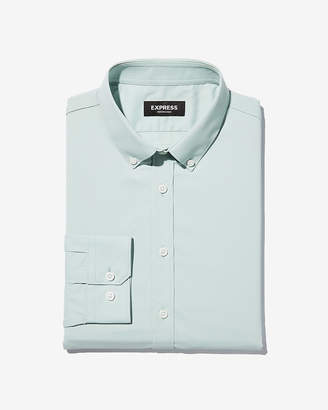Express Slim Solid Wrinkle-Resistant Performance Dress Shirt