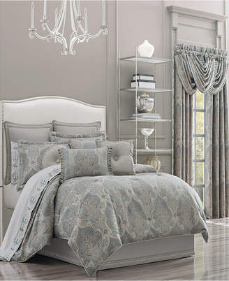 J Queen New York J Queen Dimitri Queen Comforter Set