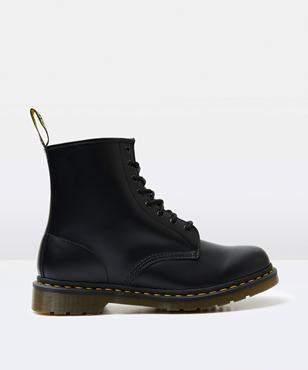 Dr. Martens 1460 8 Eye Smooth Boot Black