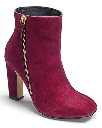 Fashion World Sole Diva Square Toe Boots E Fit