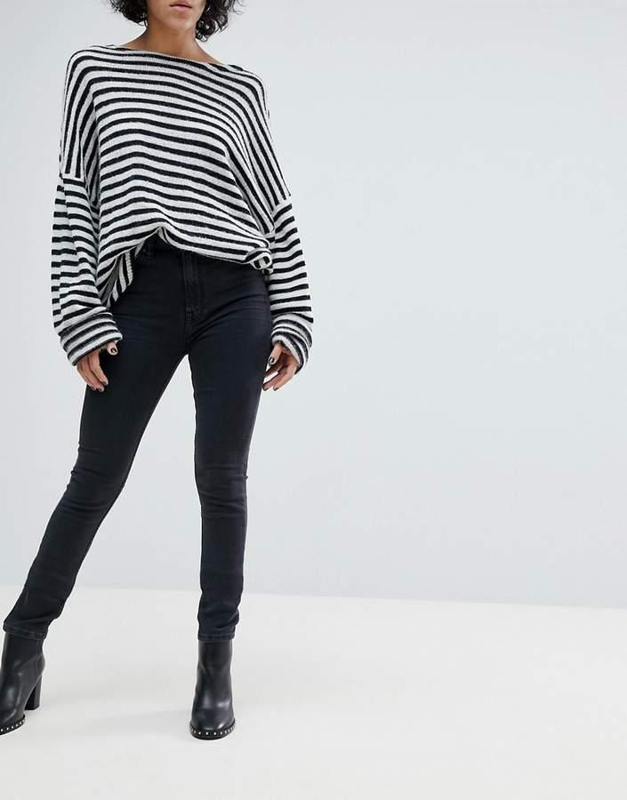 – Stilt –Enge Jeans