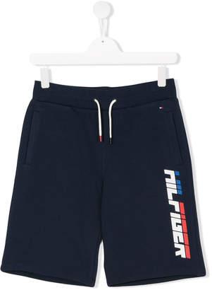 Tommy Hilfiger Junior TEEN logo print shorts