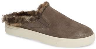 VANELi Yasir Slip-On Sneaker