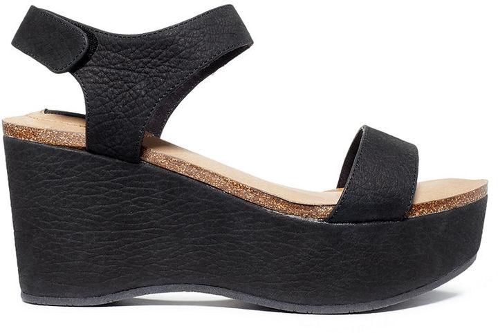 Me Too Adam Tucker Baci Platform Wedge Sandals