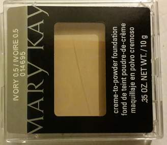 Mary Kay Gazebo by the River Creme to Powder Foundation Ivory 0.5