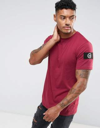 Hype T-Shirt In Burgundy With Sleeve Patch