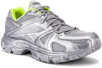 Vetements Spike Runner 200 Sneaker in Silver | FWRD
