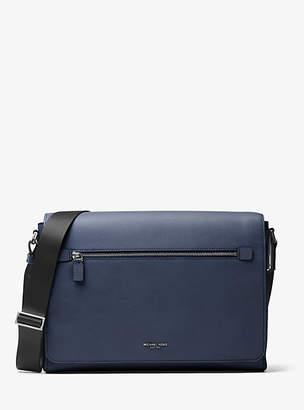 a642edfa9410 Michael Kors Messenger Bags For Men - ShopStyle UK