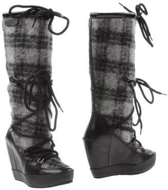 Logan CROSSING Boots