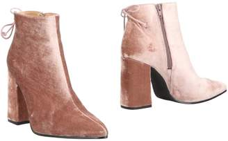 KMB Ankle boots
