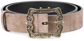decoratif buckled belt