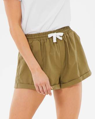 Atmos & Here ICONIC EXCLUSIVE - Pascal Linen Blend Shorts