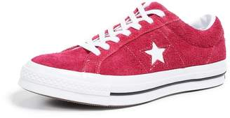 Converse One Star Low Top Sneakers