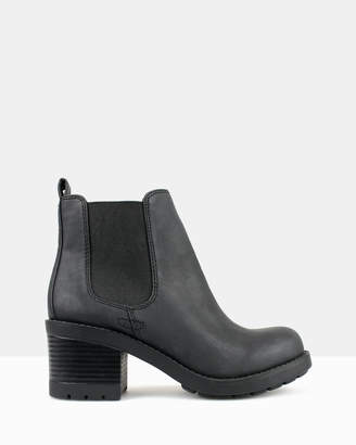 betts Paramore Chunky Ankle Boots