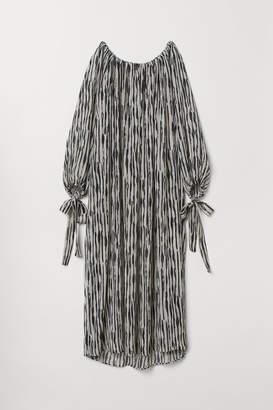 H&M Crinkled Maxi Dress - Black