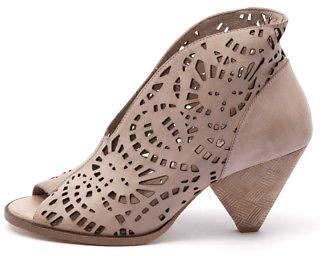 Django & Juliette New Omero Beige Womens Shoes Dress Boots Ankle