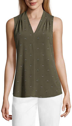 Liz Claiborne Sleeveless V-Neck Knit Blouse