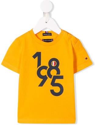 Tommy Hilfiger Junior '1985' print T-shirt