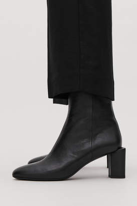 Cos SCULPTURAL LEATHER ANKLE BOOTS