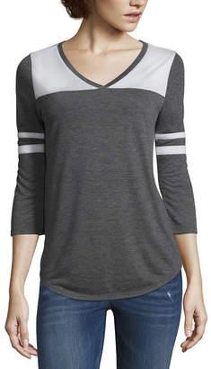Arizona Womens V Neck 3/4 Sleeve T-Shirt Juniors
