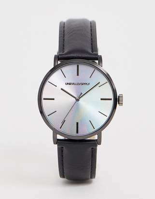 Design DESIGN watch in black with iridescent dial