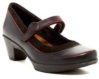 Naot Footwear Latest Mary Jane Leather Pump