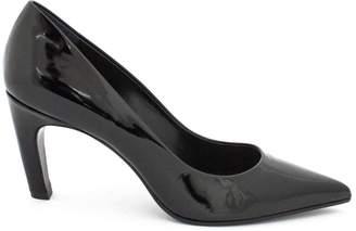 Dècolletè In Black Patent Leather.