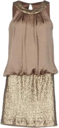 Casting Short dresses - Item 34810872
