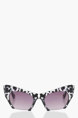 boohoo Megan Monochrome Extreme Cat Eye Half Frame Sunglasses